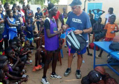 distribution des kits de rentree somone keur bassin arcachon 08 - Association Somone Keur Bassin